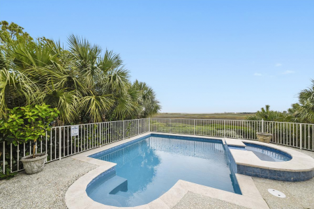 Hilton Head Island rental with a pool