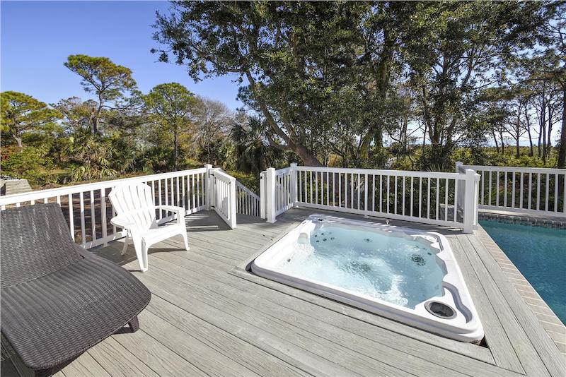 A hot tub in Hilton Head
